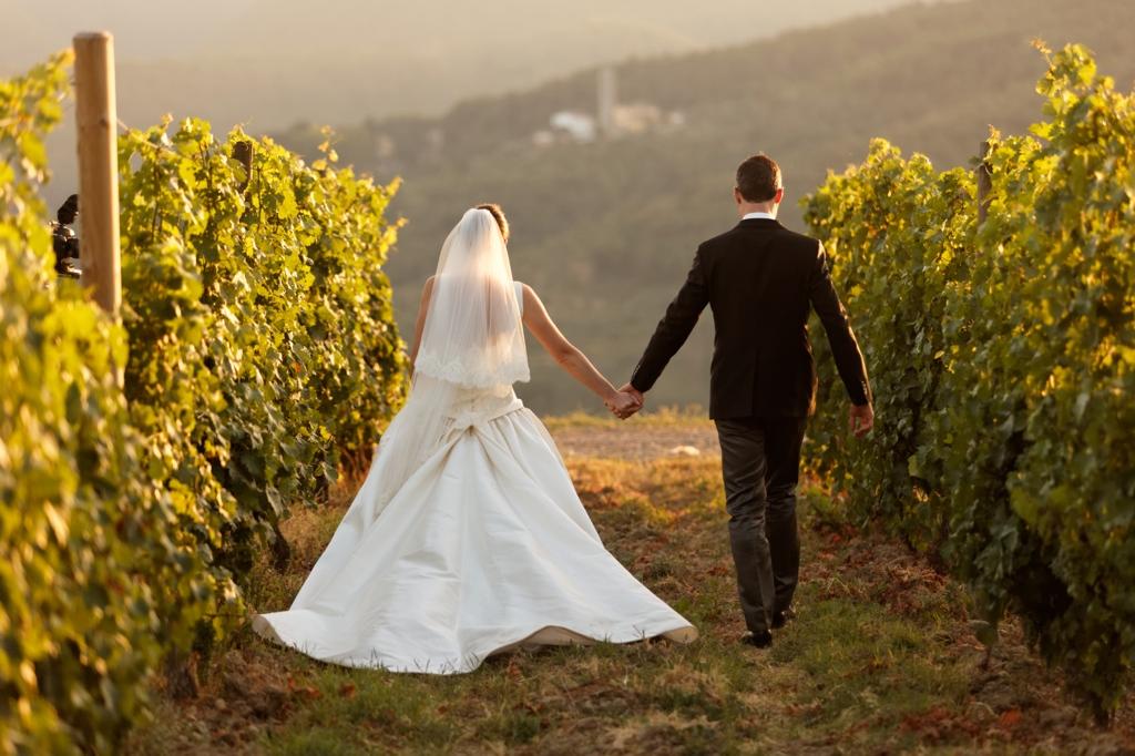 Matrimonio Campagna Romana : Ad ogni location il suo stile l abito adatto per un